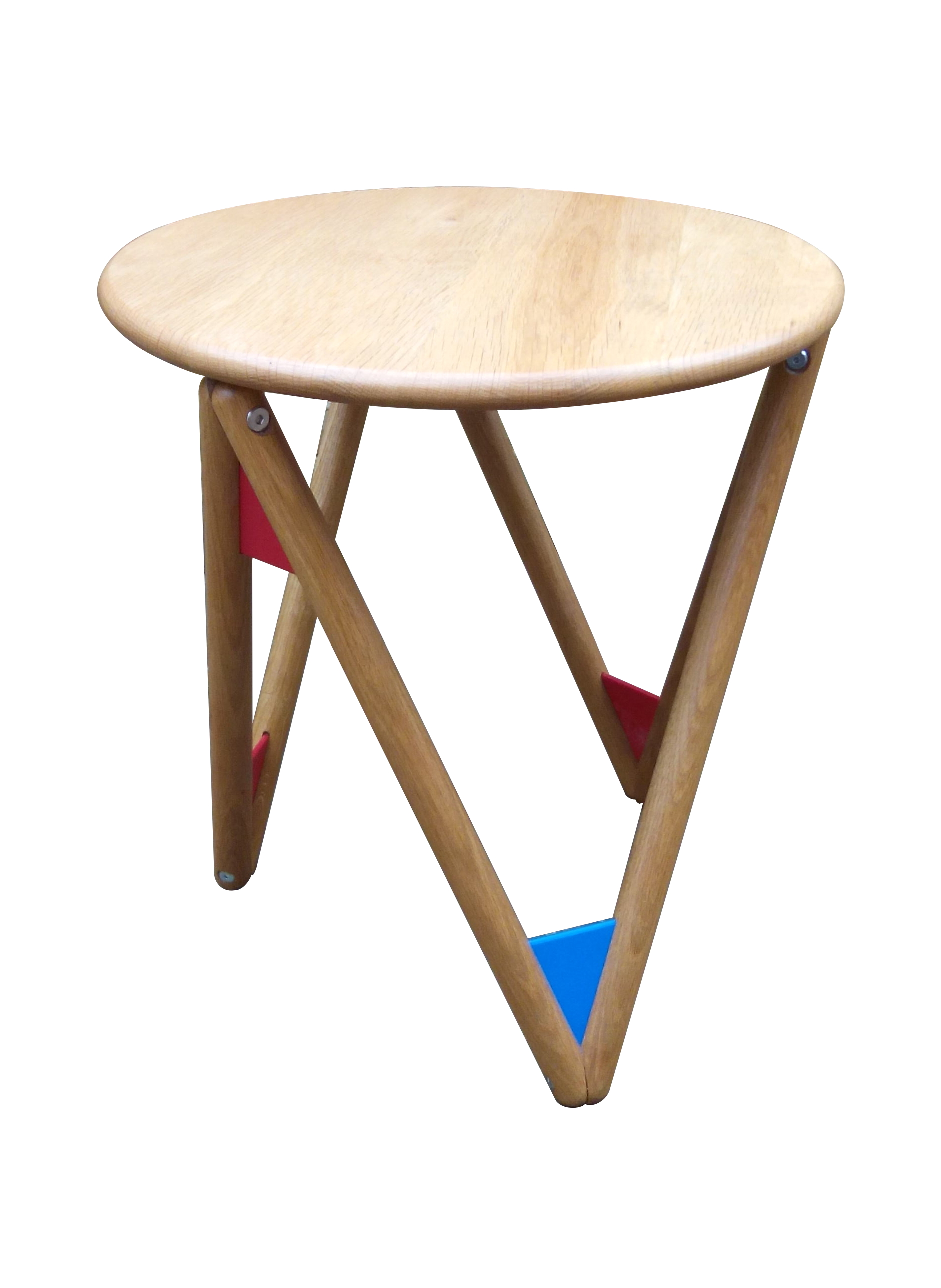 Tetra Table, oak and recycled plastic. Designer/maker: Aaron Moore